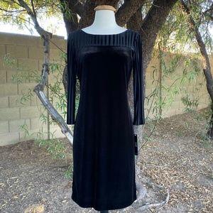 Alex Marie Velvet Black Cocktail Dress Size 6 NWT